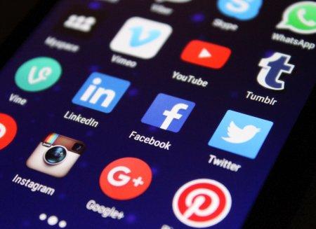Socialni mediji